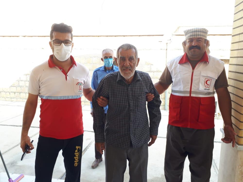 نجات جان مرد ۶۰ ساله مفقود شده در ارتفاعات گچساران/ مرد ۶۰ ساله بعد از ۱۲ روز سالم به خانه برگشت