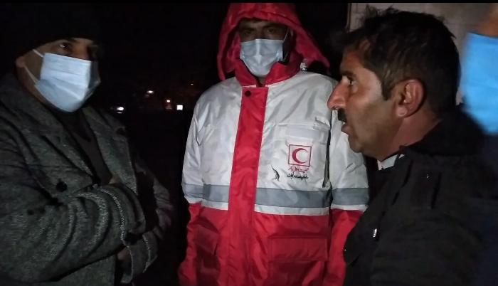 بازدید شبانه استاندار از منازل مسکونی تخریب شده شهر سیسخت